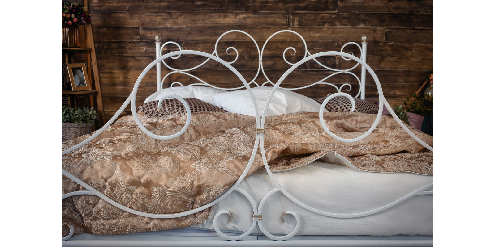 Металлическая кровать 140х200 Верона с ортопедическим основанием (белый с золотом) S016/2-4